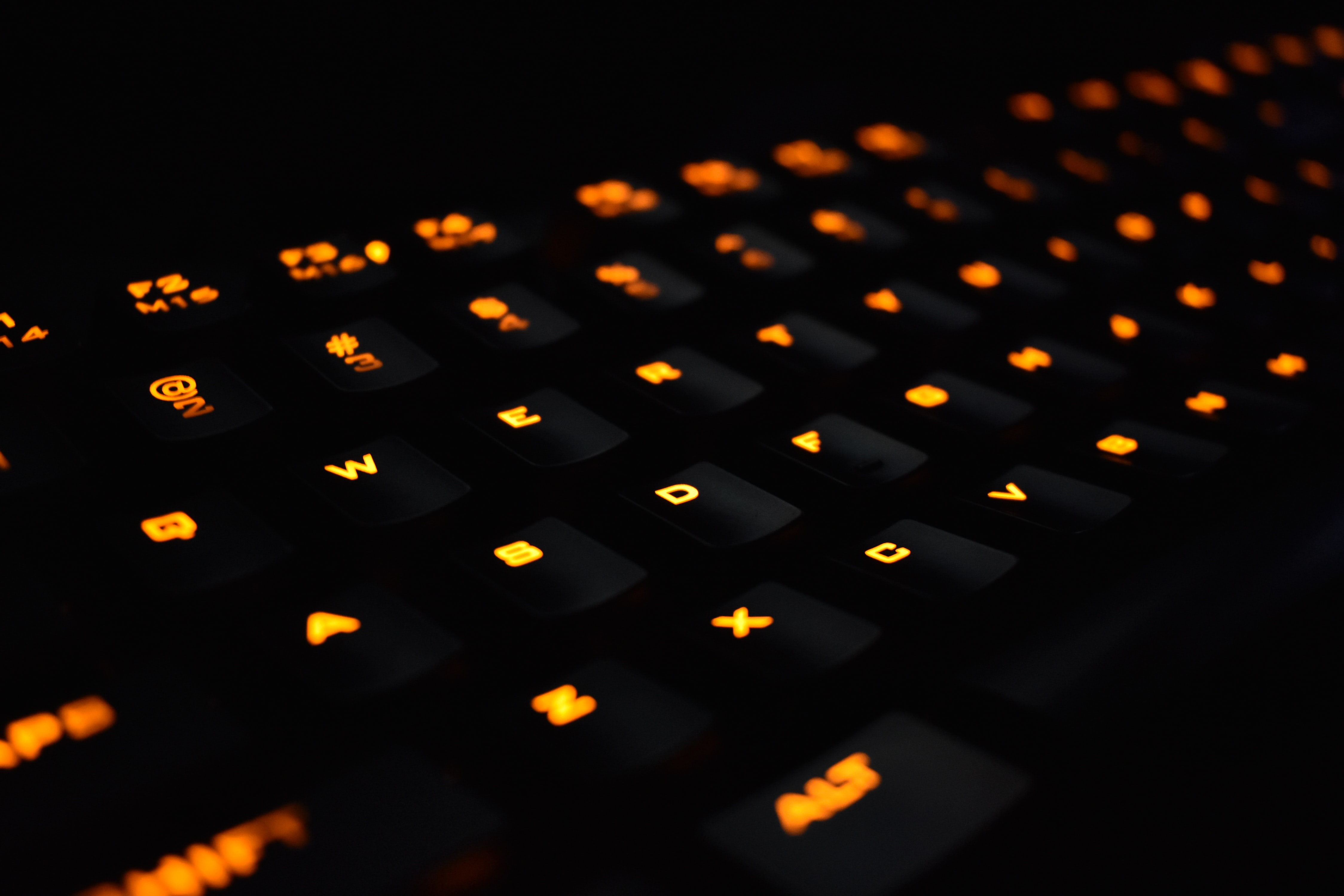 closeup photography of mechanical computer keyboard