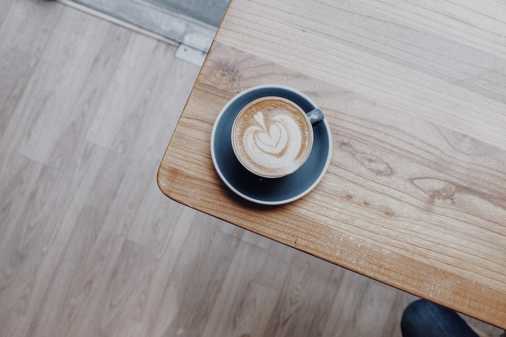 latte art on teacup