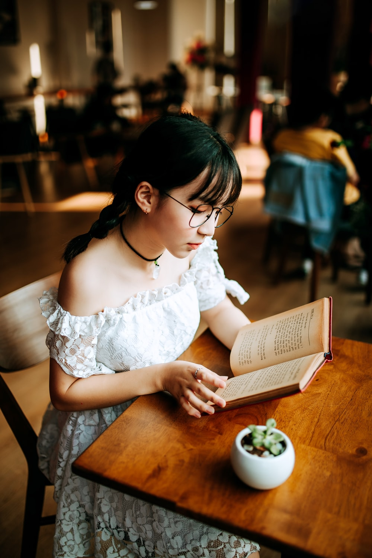 woman reading books
