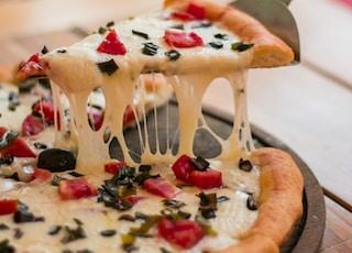 round pizza