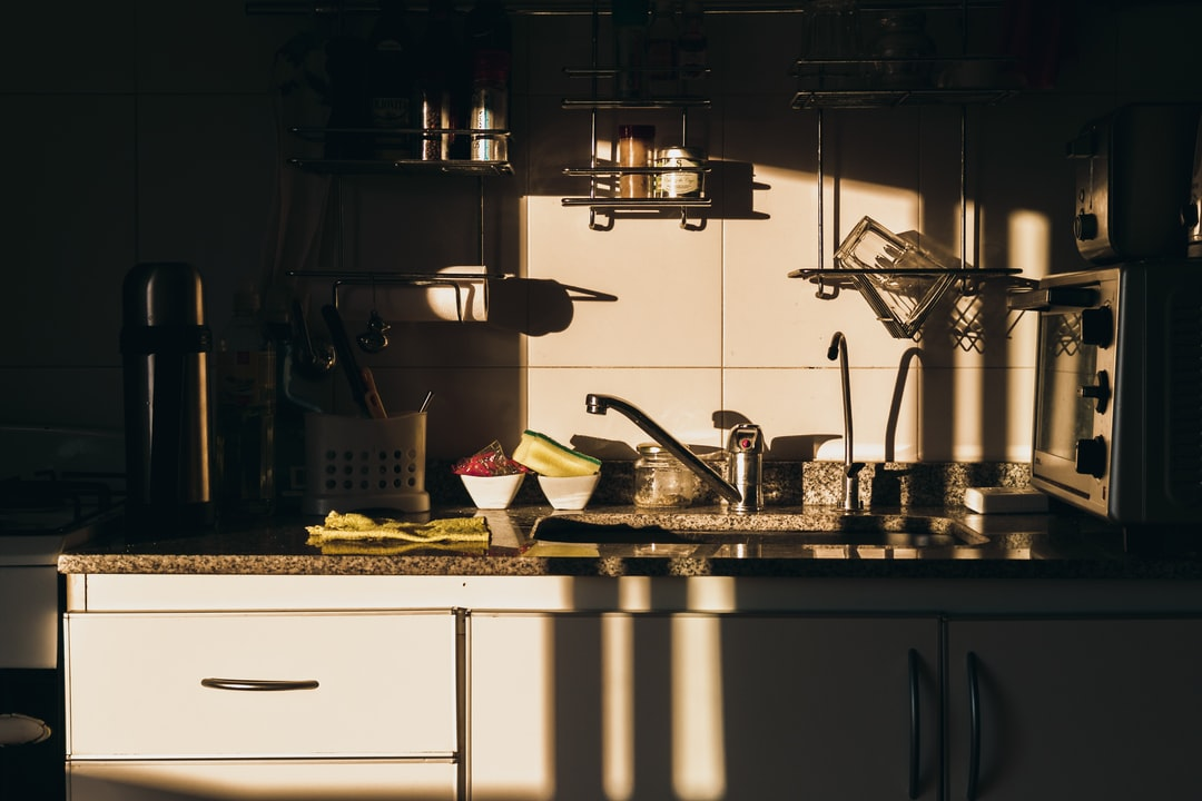 Using the game of shadows, I took a cool photo of the sunset in the kitchen of my boyfriends flat.
