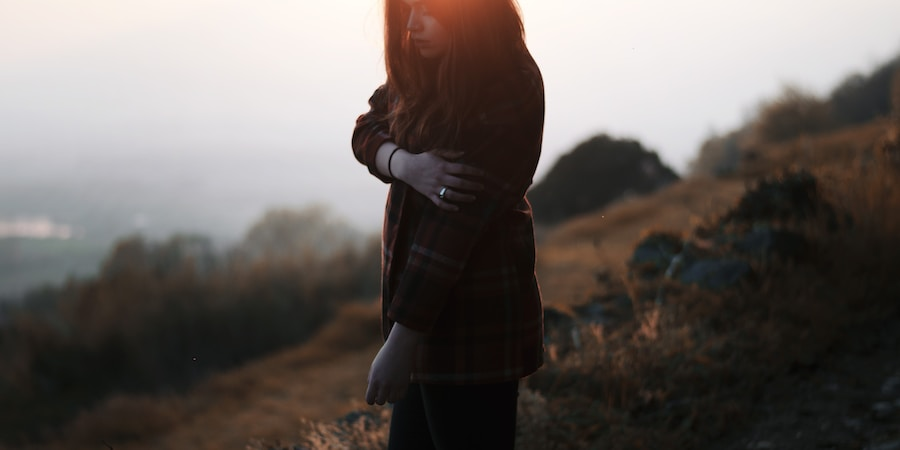 7 Subtle Signs That Someone Is Trying To ManipulateYou