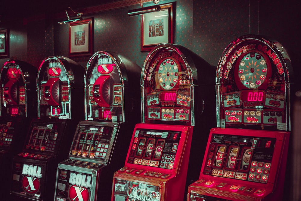 gray-and-red arcade machines