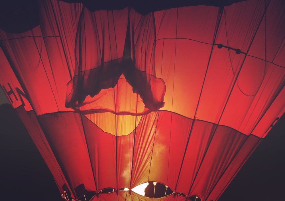 close-up photo red hot air balloon