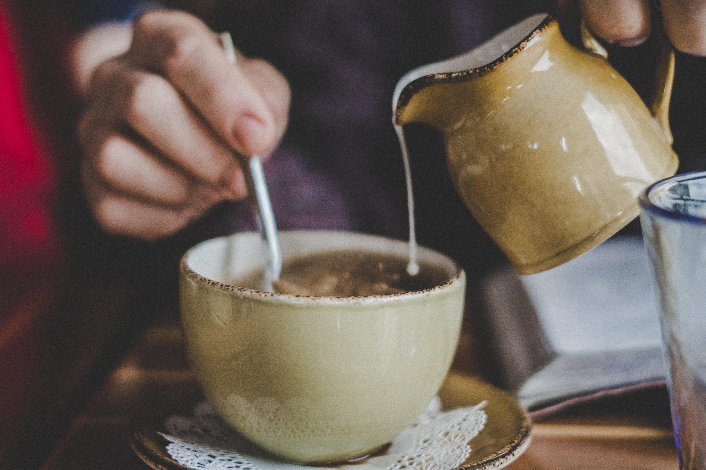 brown ceramic mug