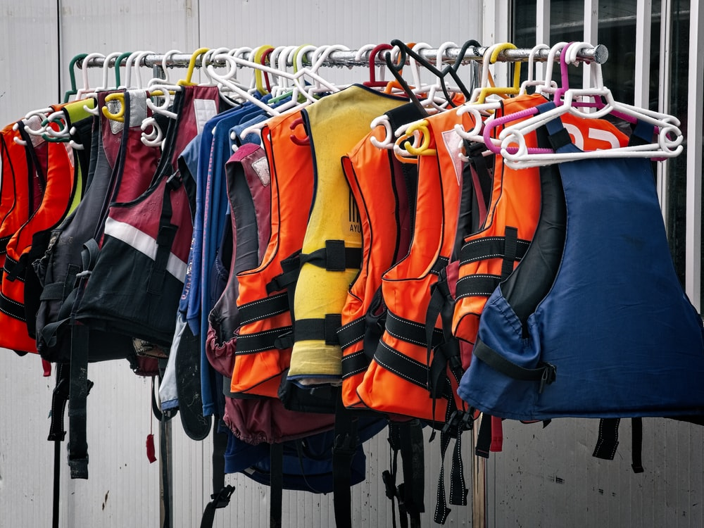 assorted life vest lot