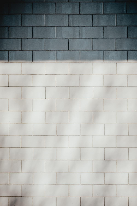 Черна белая плитка