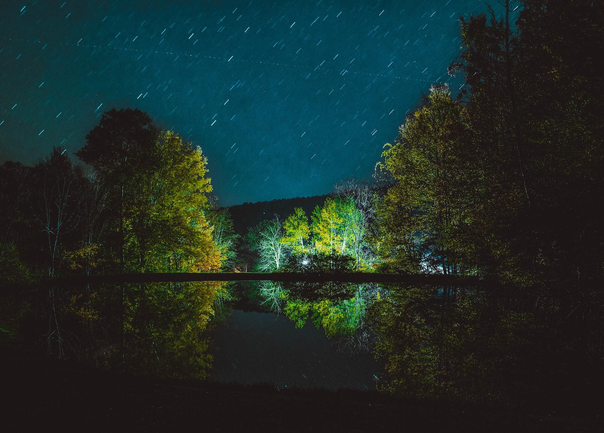 Звездное небо лучше фотографировать за городом