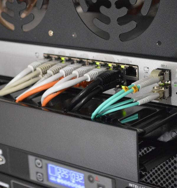 ネットワーク工事(メタル・無線・光)
