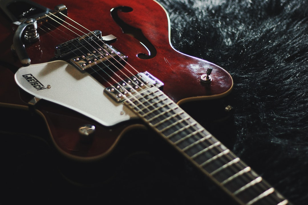 Playing the Mandolin: Choosing the Best Online Learning Site