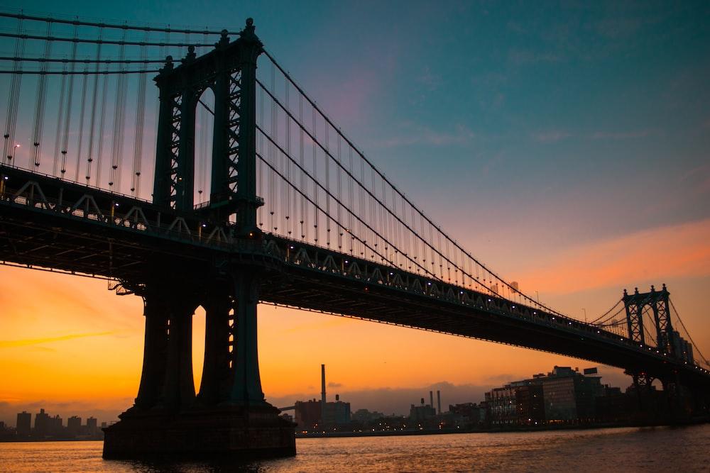 silhouette of Brooklyn Bridge