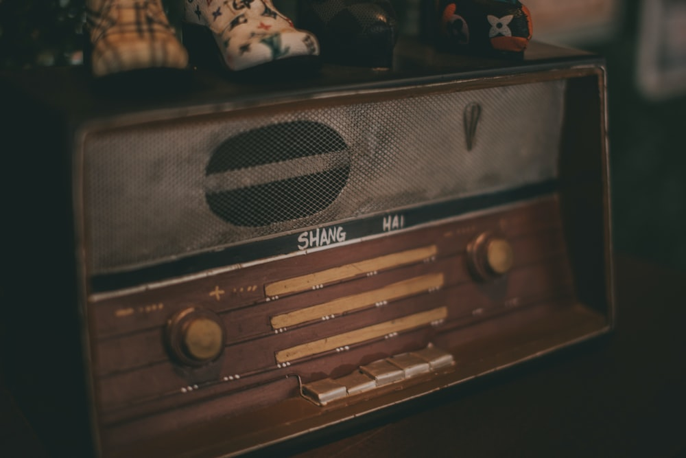 brown and black radio component