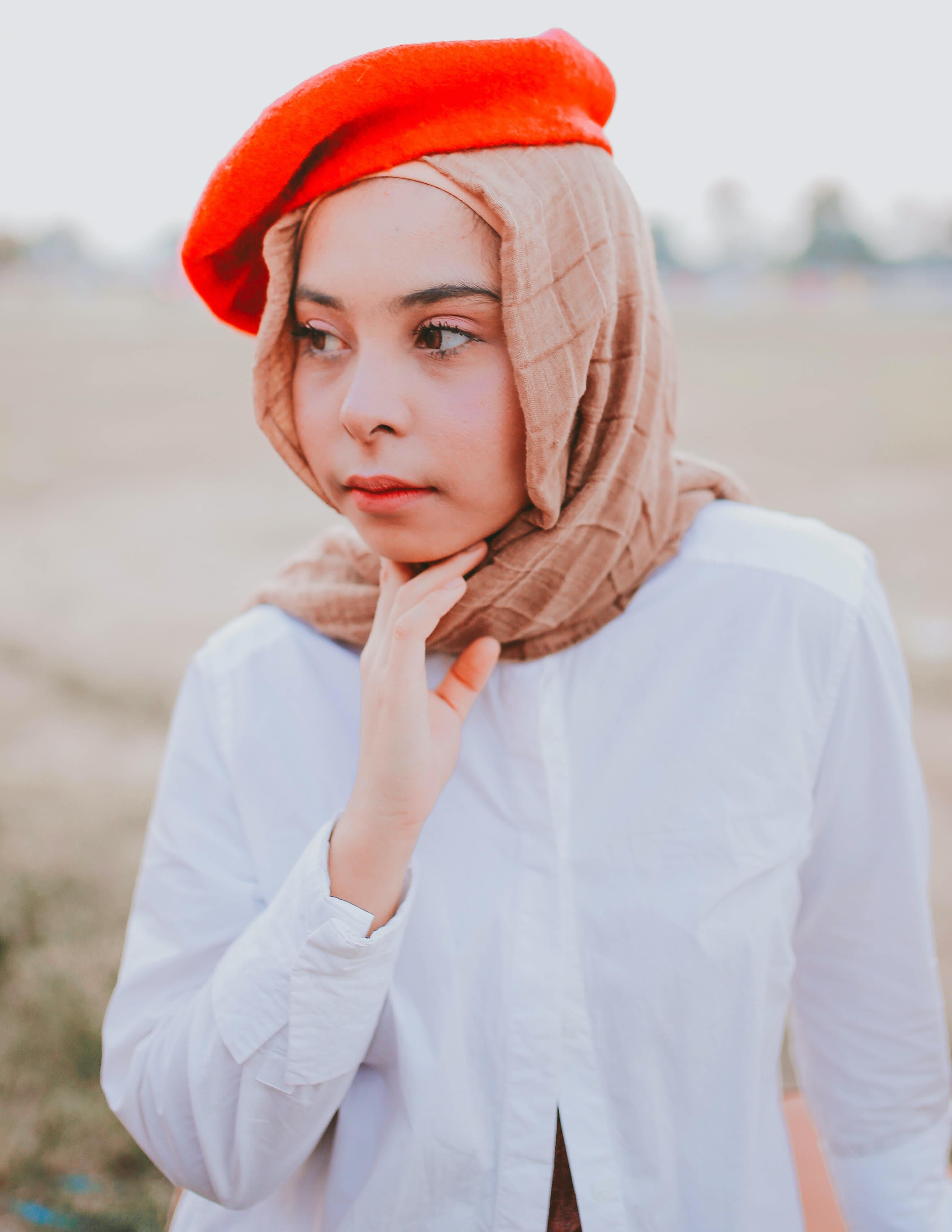 close-up photography of woman wearing hijab