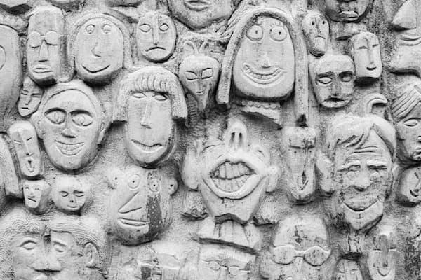 על שדים ומלאכים: הרהורים פסיכו-מיתיים על אלכימיה נפשית