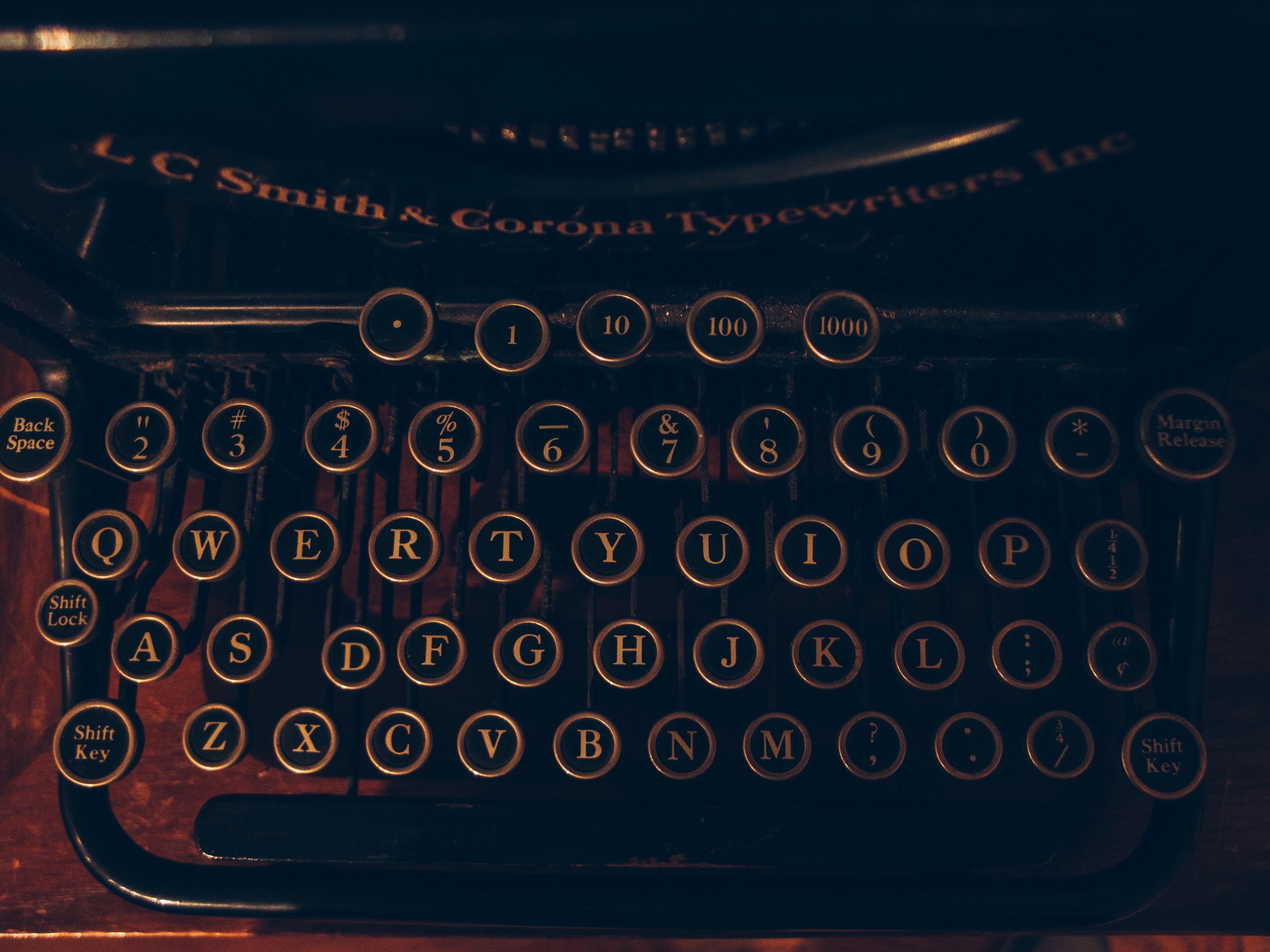 syndrome de l'imposteur titre écrivain mérite machine à écrire