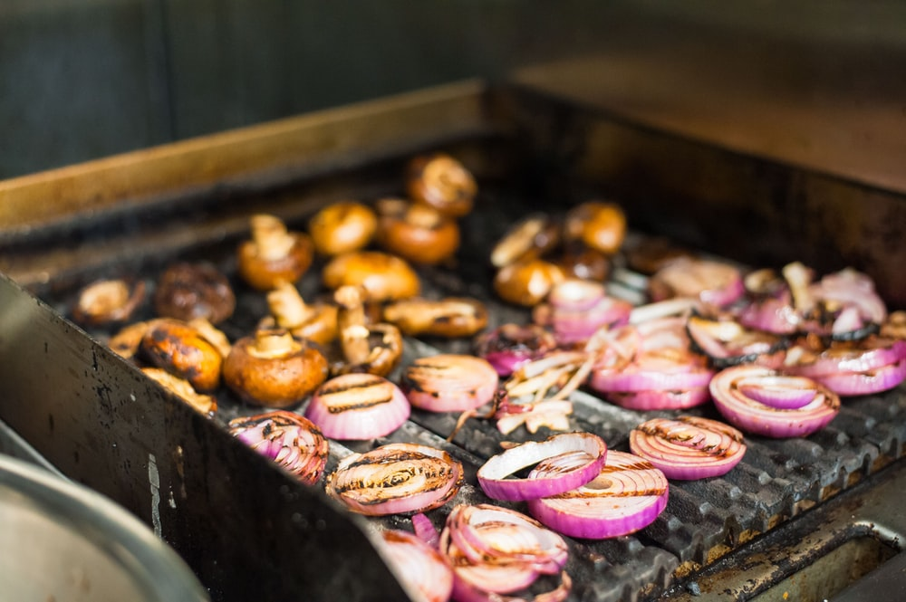 sliced onion on grill