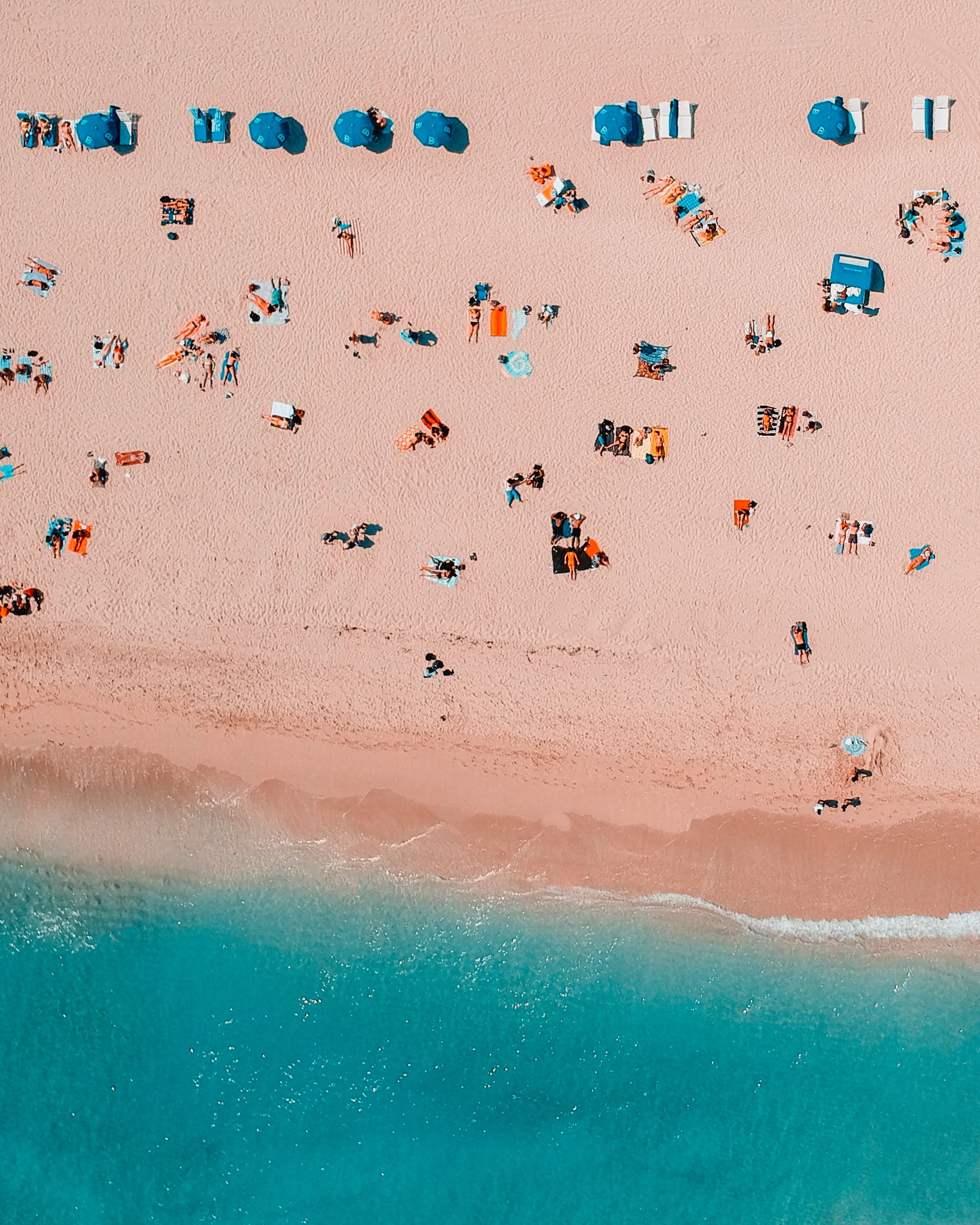 bird's-eye view photography of people in seashore