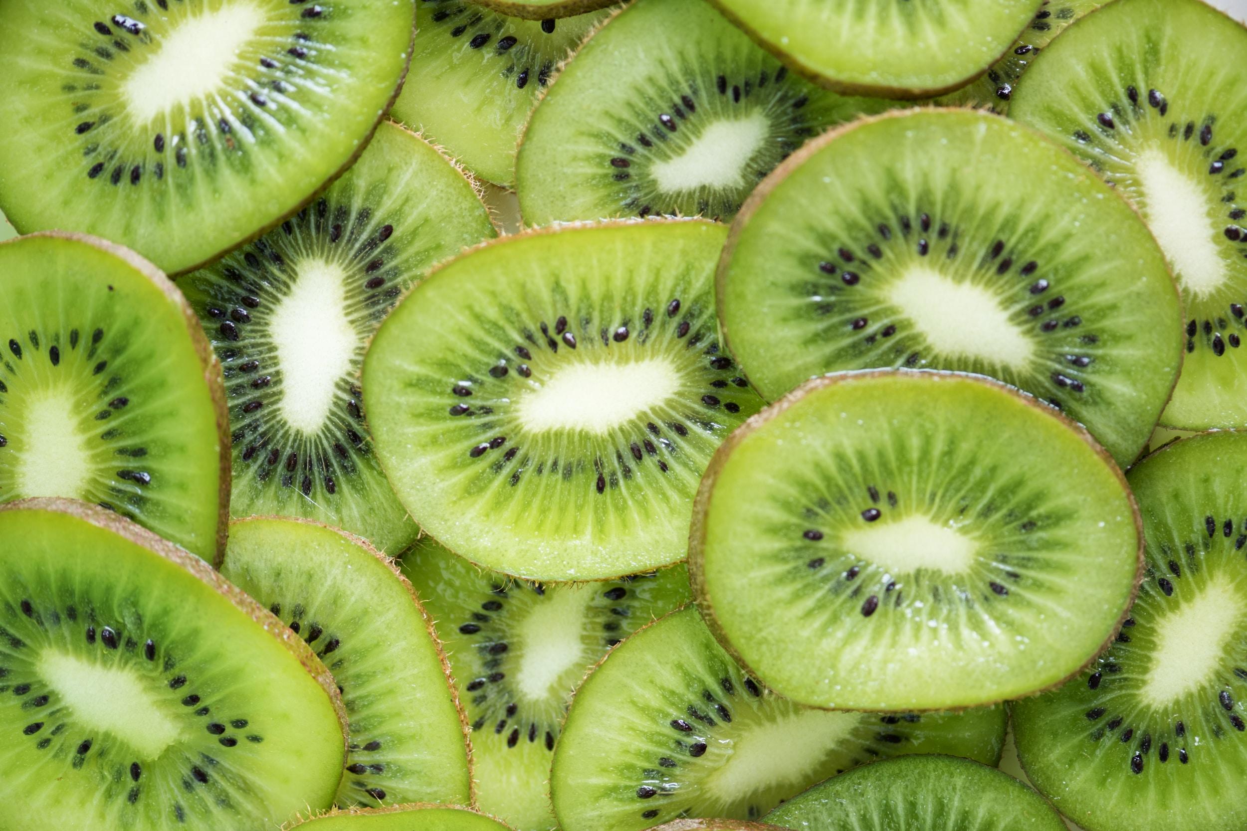 sliced kiwi lot