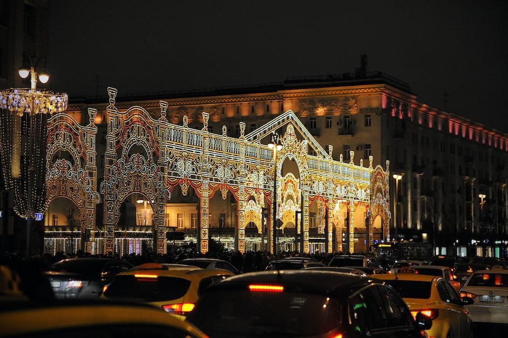 Christmas, street, decorations and cars | HD photo by Anton Belashov (@antonbelashov) on Unsplash