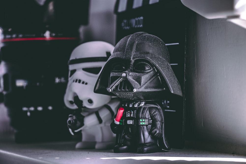 Star Wars Darth Vader and Storm Trooper figurine