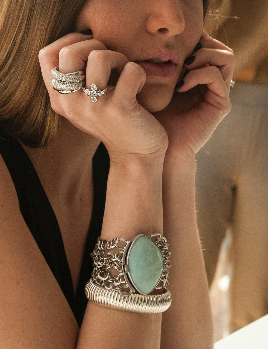 How to Perfectly Accessorize With Jewelry