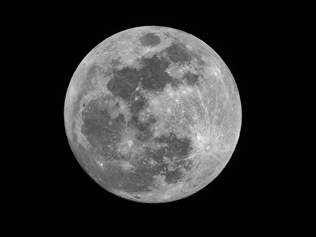 A Spectacular Full Moon Will Light Up Night Skies Tonight Photo-1522030299830-16b8d3d049fe?ixlib=rb-1.2