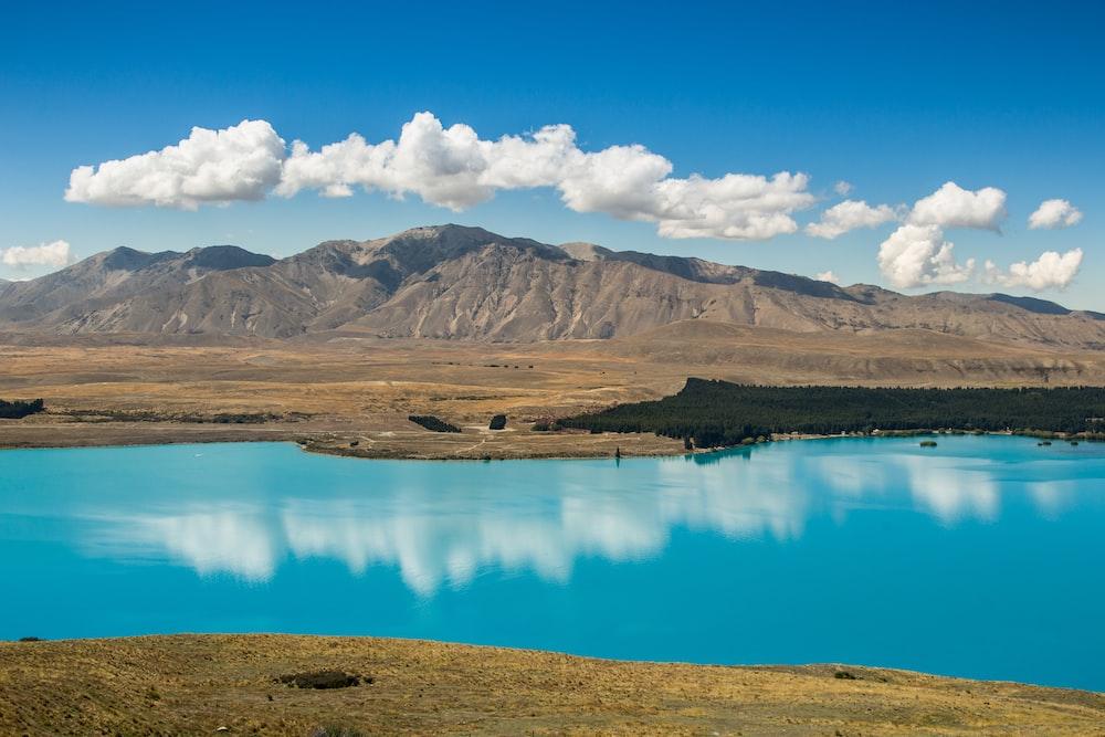 lake and mountain landscape photographyh