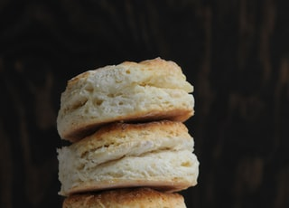 shallow focus photo of breads