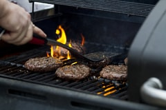 July 4th Barbecue Safety Tips: You Might be Grilling your Burgers, Steaks All Wrong