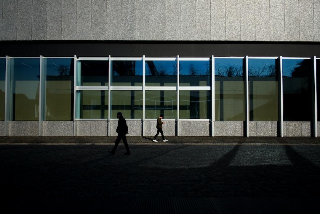 Fondazione Prada, pasticcini e architettura.