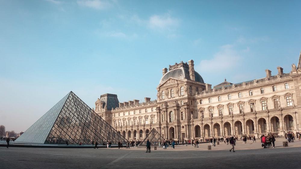 نتيجة بحث الصور عن hd Louvre Museum in paris