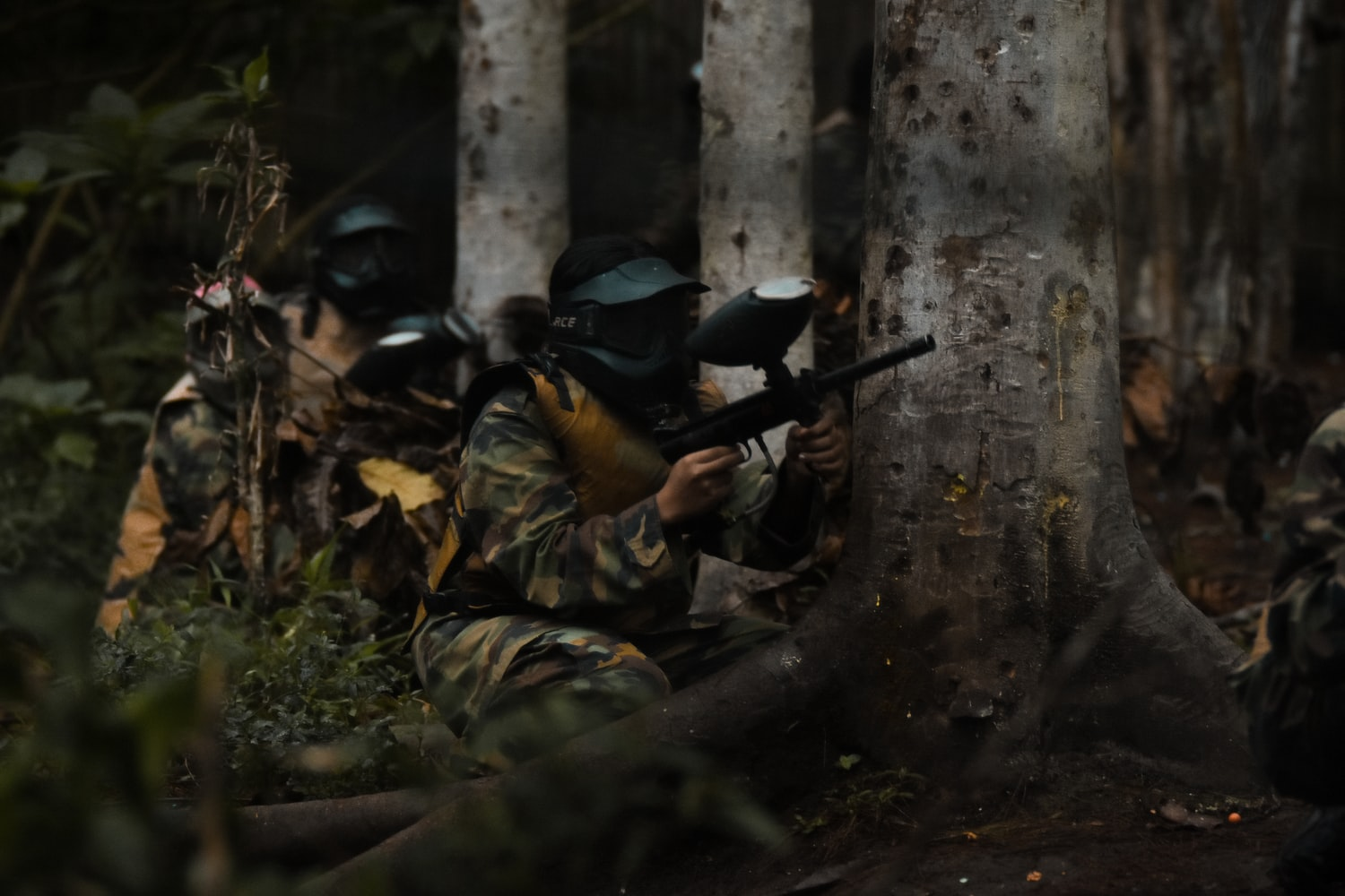 Image of  people playing paintball