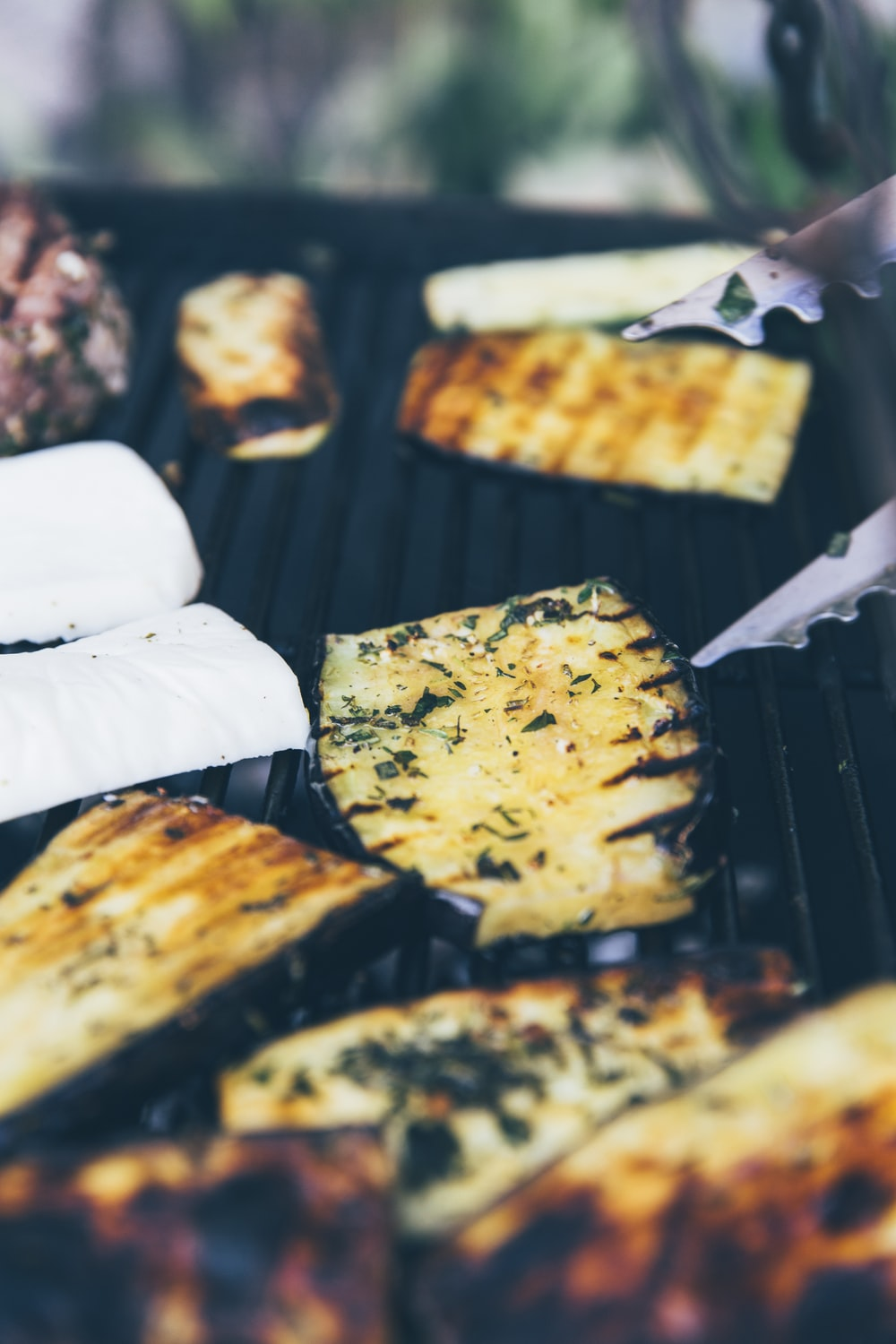 vegetables on grill