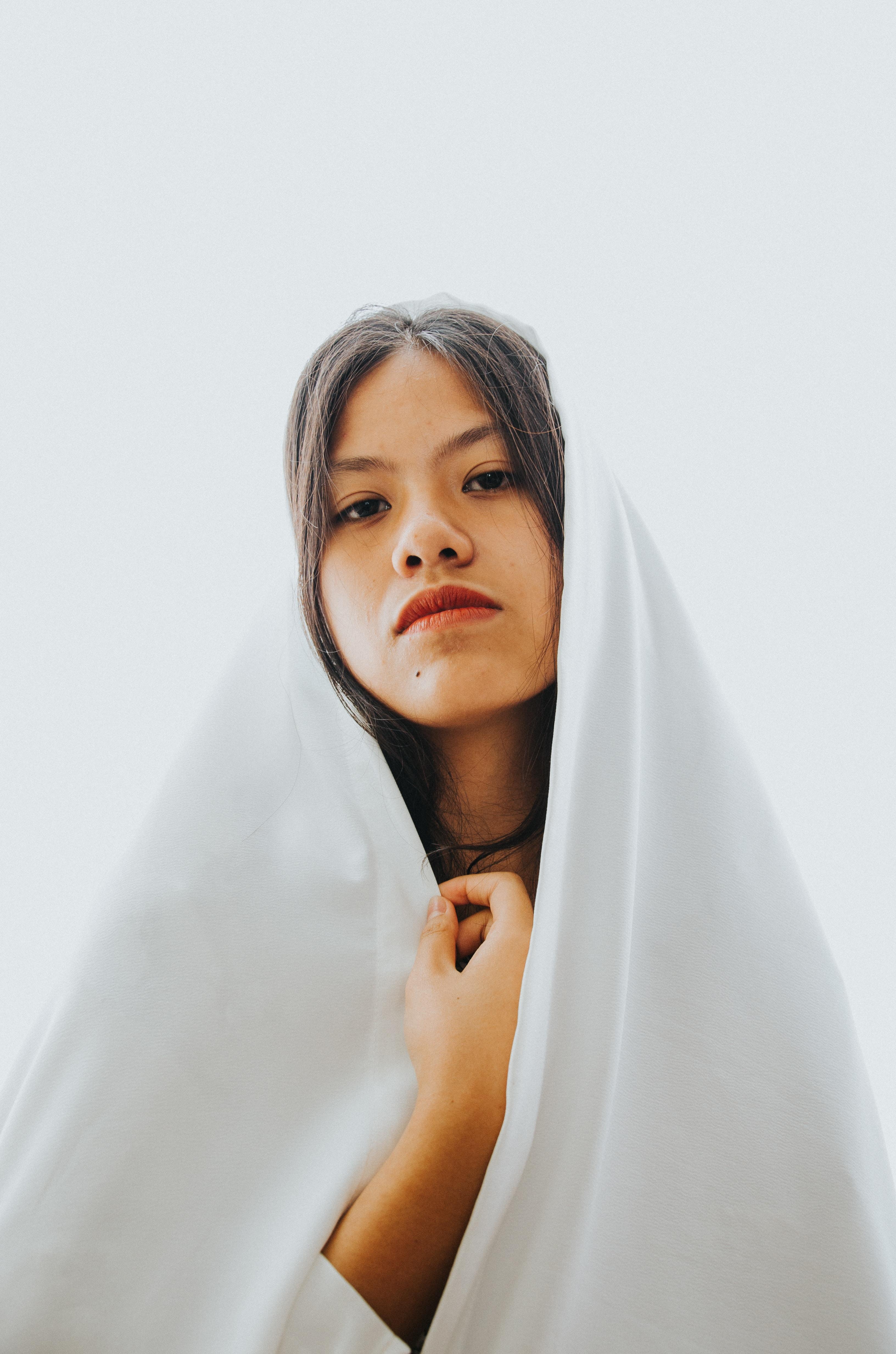 woman wearing white hijab