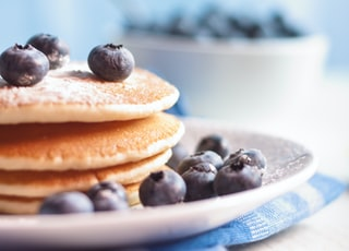 pancake on plate with berries
