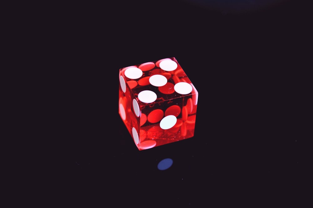 6-sided die displaying 5