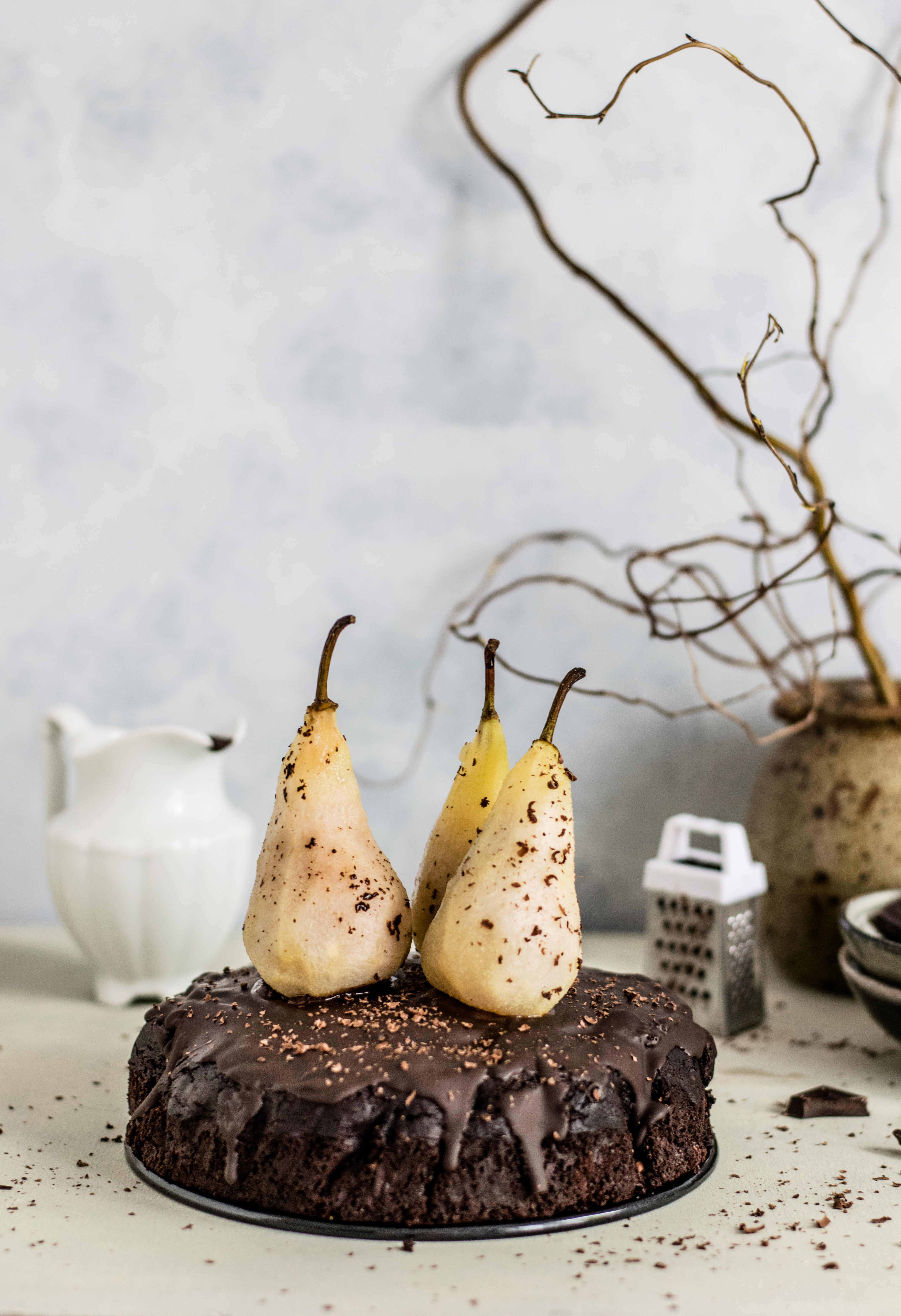 pears on top of cake