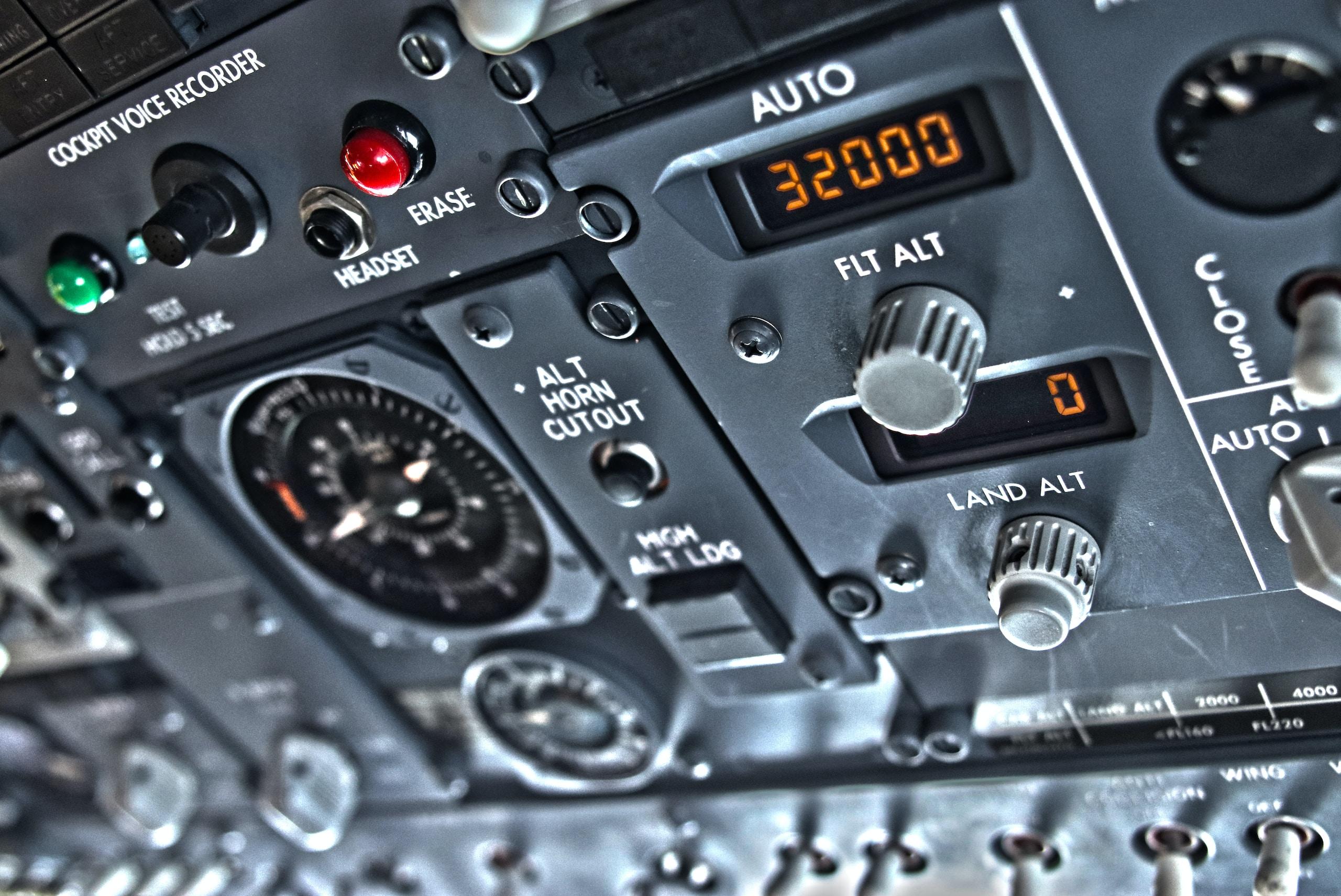 Boeing 737 Overhead paneal