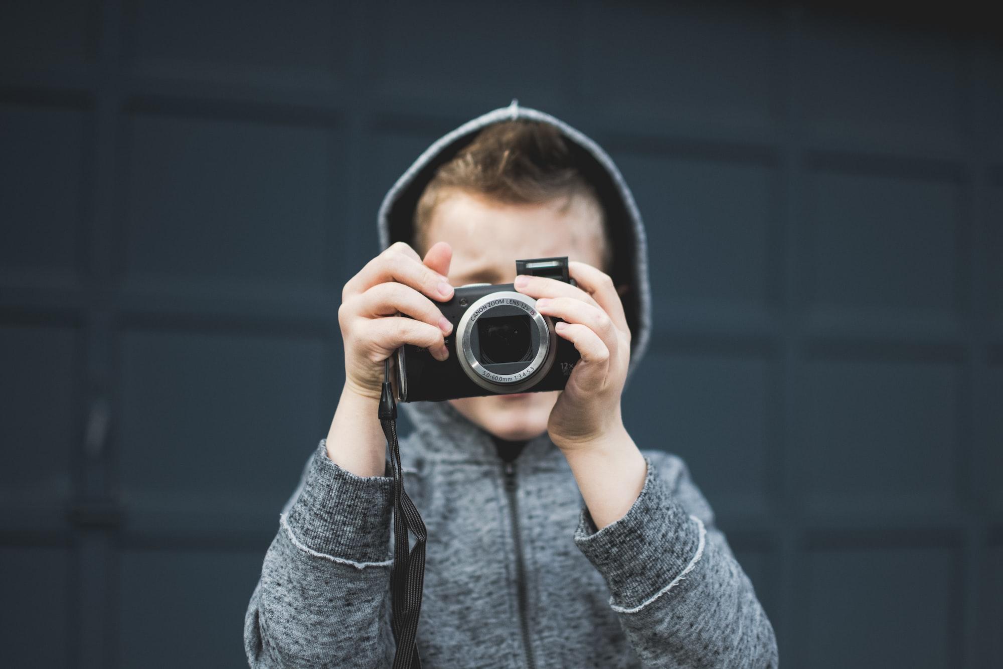 Учимся правильно держать камеру
