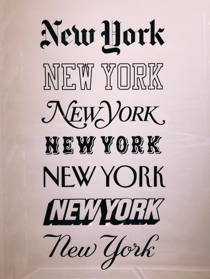 """Надпись """"New York"""", выполненная различными шрифтами."""