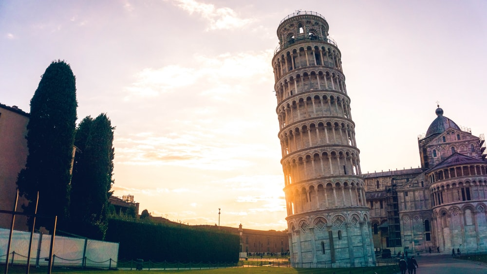 things to do in europe leaning tower of Pisa