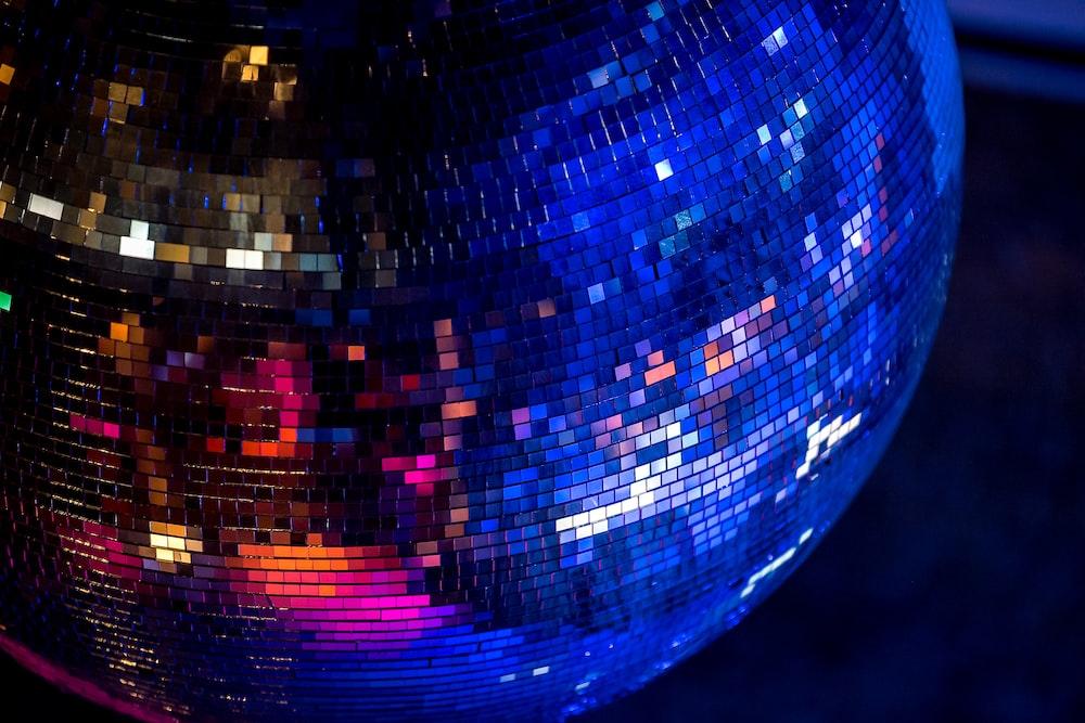 closeup photography of mirror ball