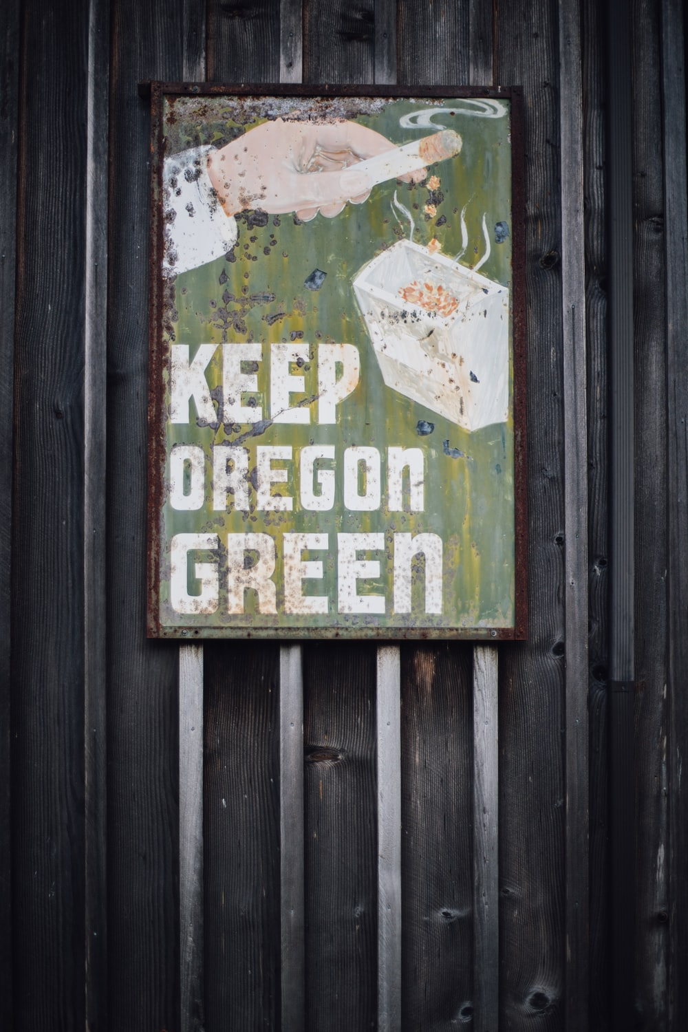 green and white Keep Oregon Green signage