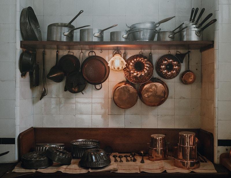 assorted cookware set