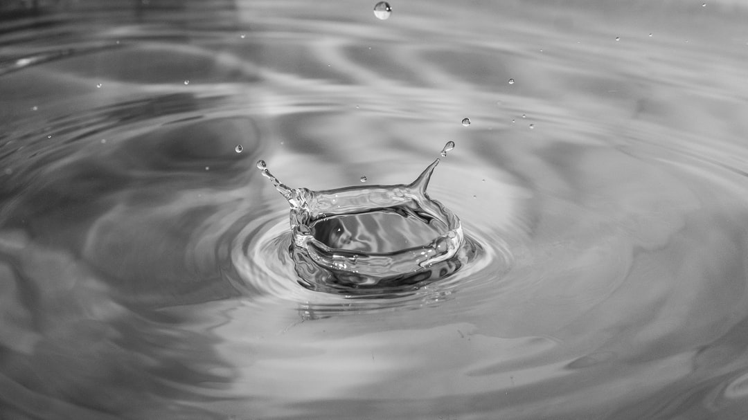 Sparkle splash of water