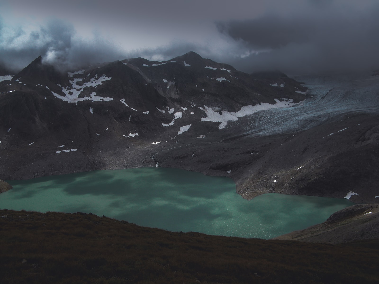 lake with mountain rage