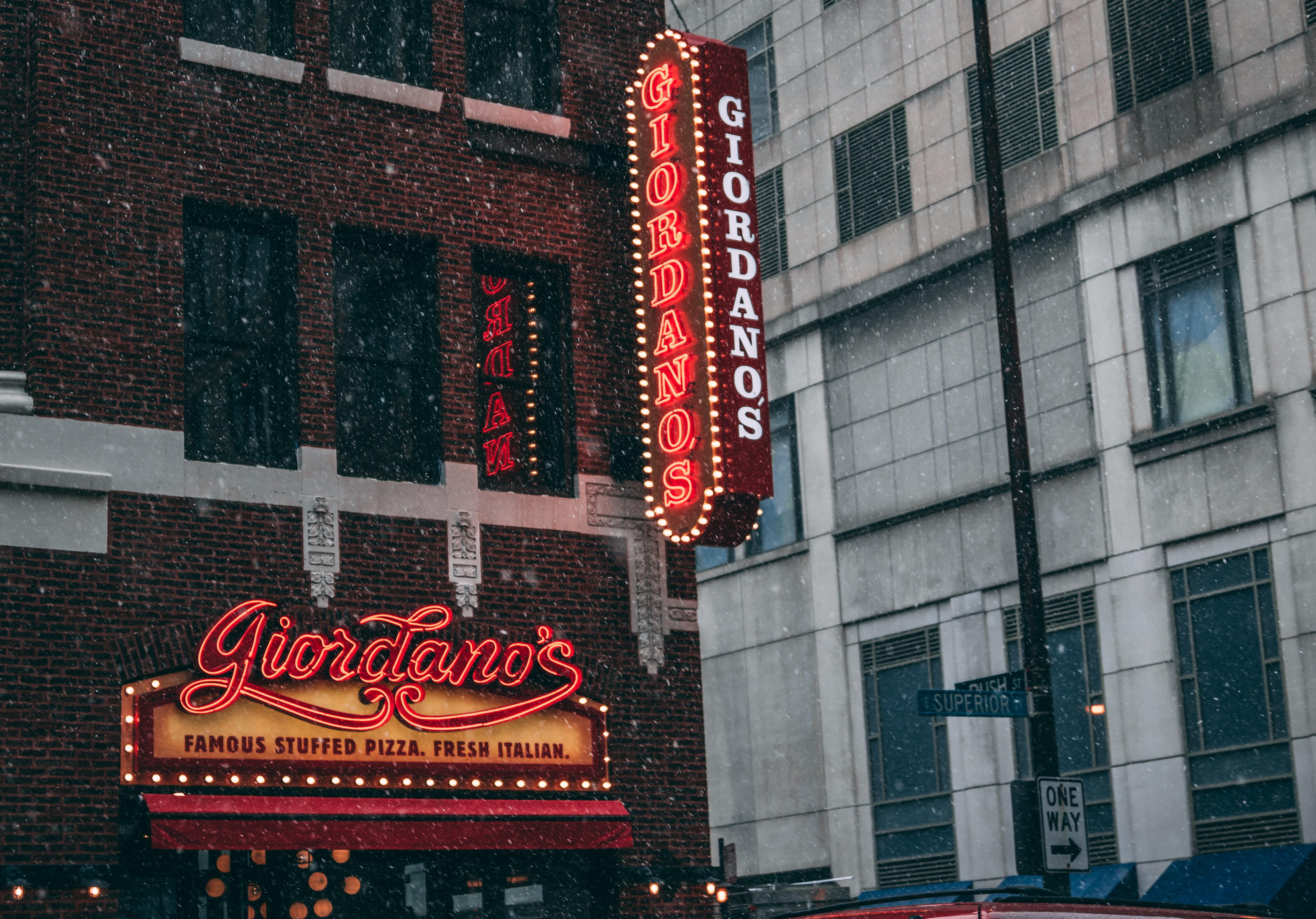 Giordano's store front