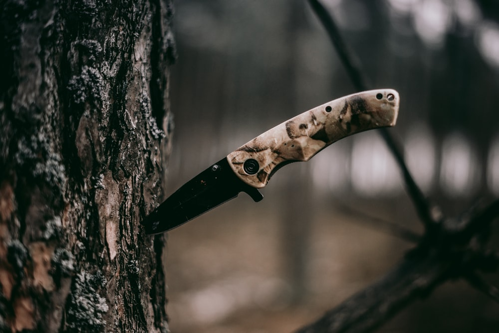 brown handle knife