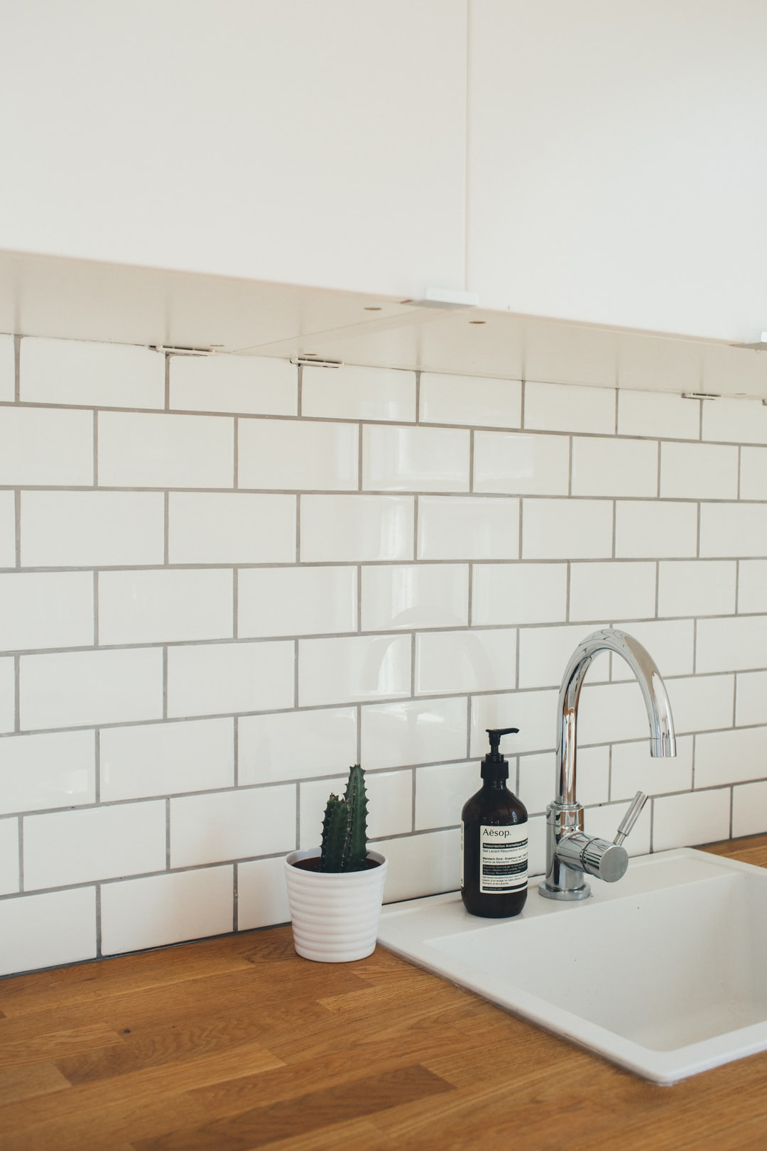 Weekend projects: Adding the finishing touches to our kitchen.