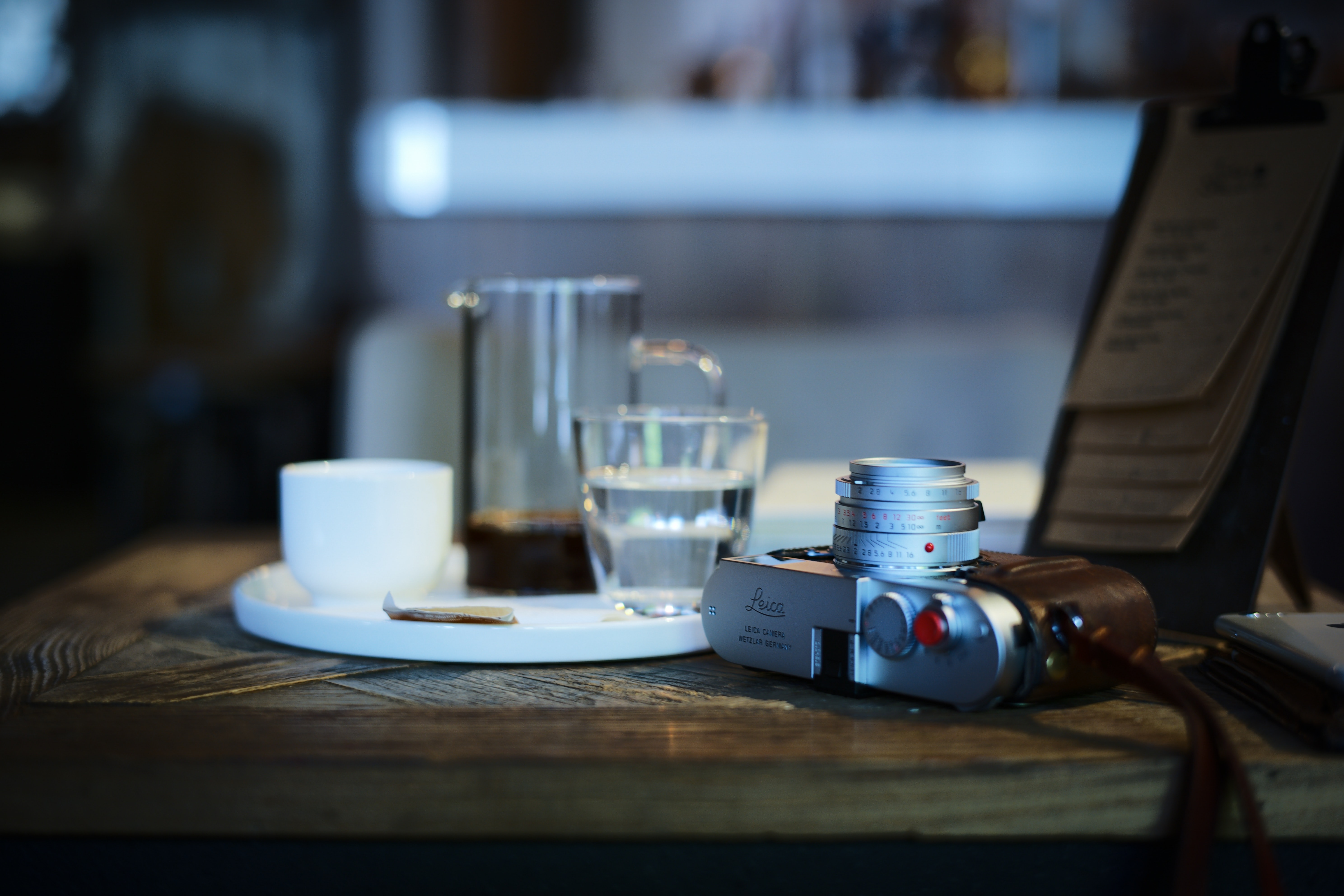 shallow focus photography of point-and-shoot camera